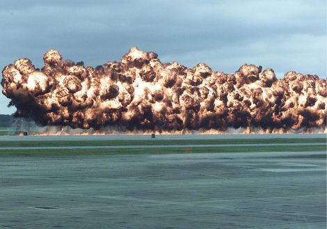 800px-simulated_napalm_airstrike