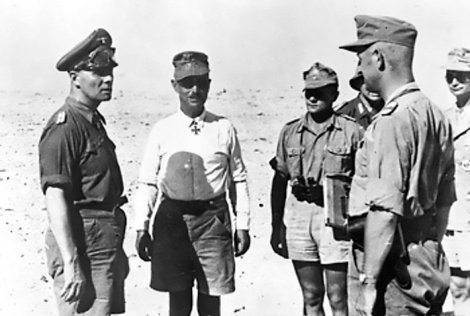 rommel_at_a_staff_conference_in_the_western_desert