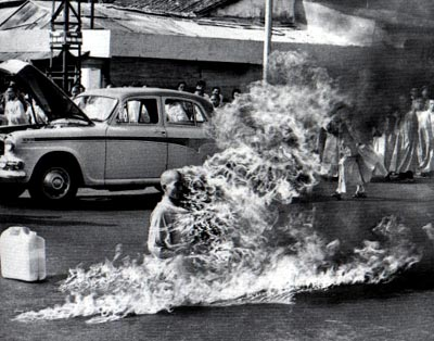 vietnam-monk-self-immolation