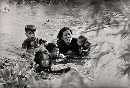 vietnam_war_river_crossing